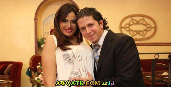 صورة الفنانة لمى مرعشلي وزوجها