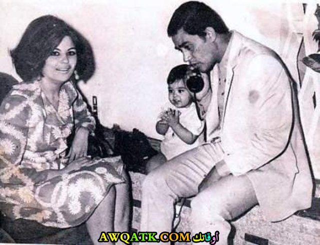 صورة عائلية للفنان محرم فؤاد مع زوجته و ابنه الوحيد طارق