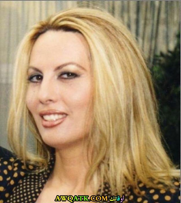 الممثلة هلا عون