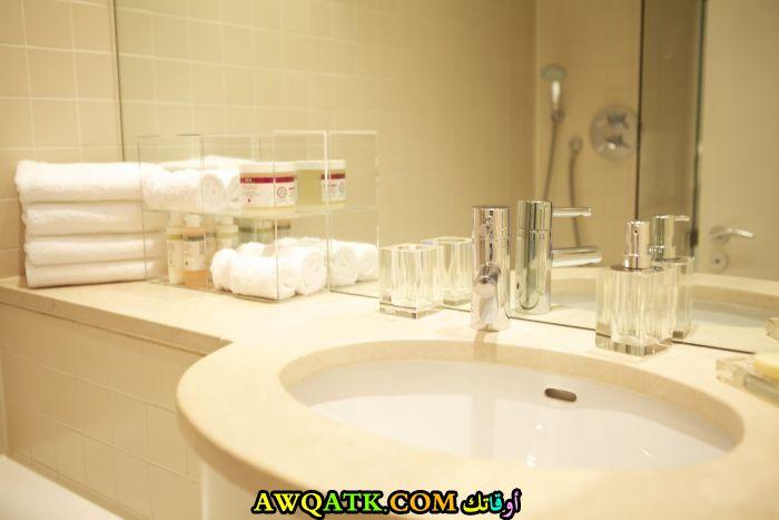 ديكور حمام فنادق صغير جميل جدأً وهادى