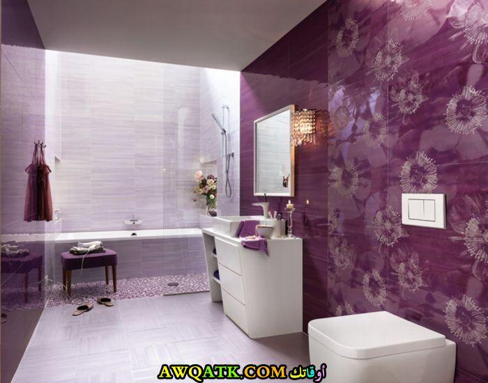 ديكورات حمامات باللون الموف والأبيض