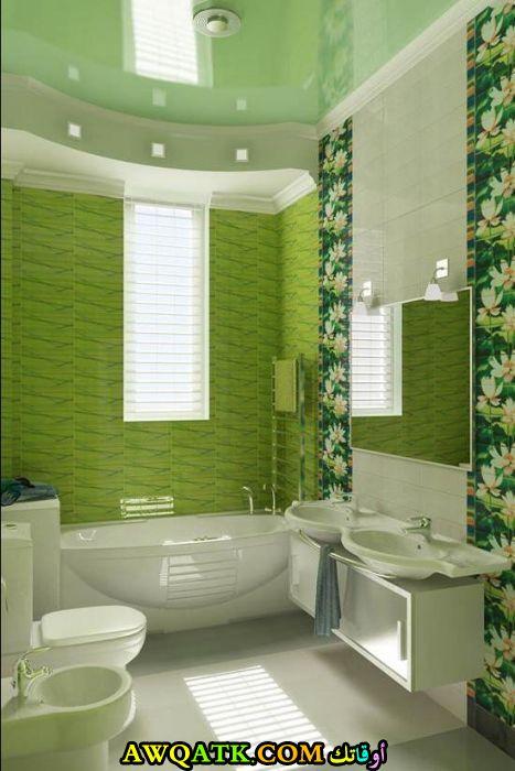 ديكور حمام باللون الأخضر انيق وجميل