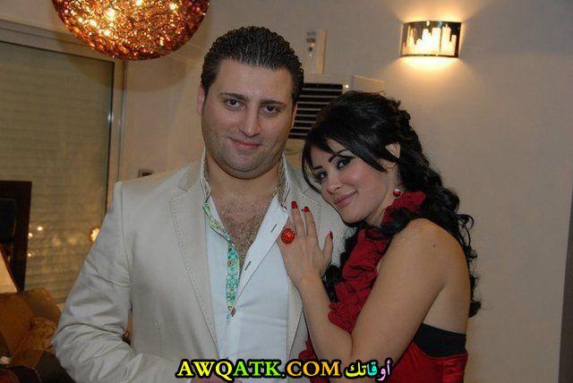 الفنانة رواد عليو مع زوجها