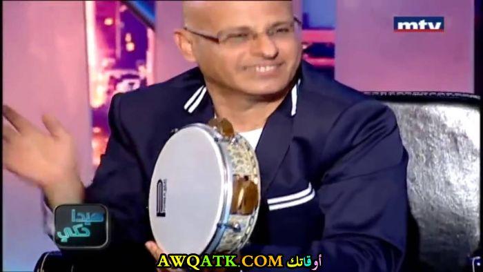 الفنان عباس شاهين