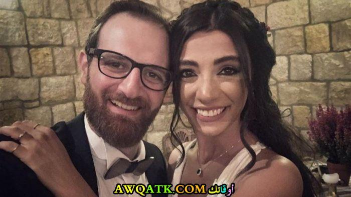 صورة جميلة لفؤاد يمين مع زوجته