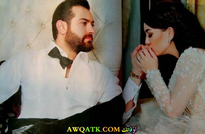 صورة الفنانة السورية كندة علوش وزوجها