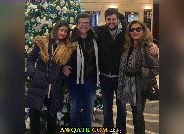 أحدث صورة للفنان وليد توفيق مع عائلته