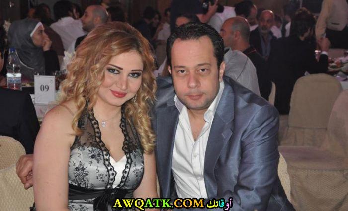 صورة الفنان إياس أبو غزالة وزوجته