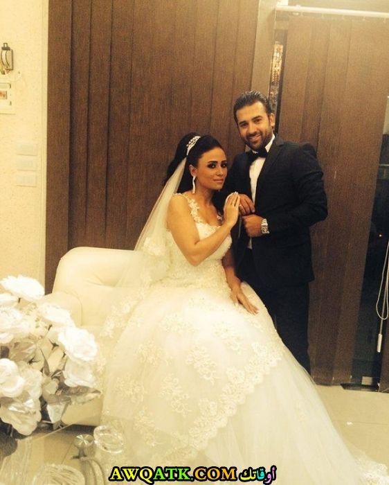 صورة الفنانة السورية هلا يماني وزوجها