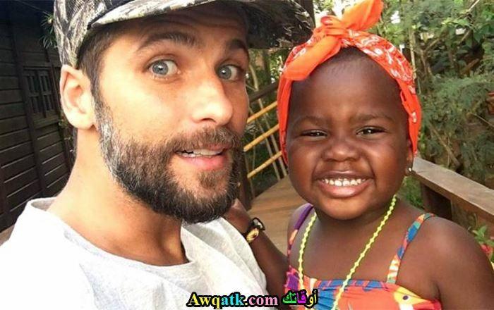 برونو جاغيلاسو و إبنته في أحد المصايف