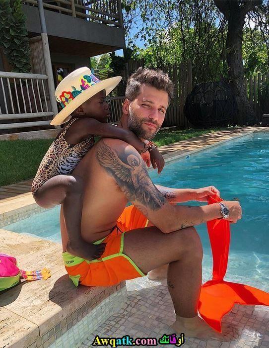 برونو و إبنته في حمام السبتحة