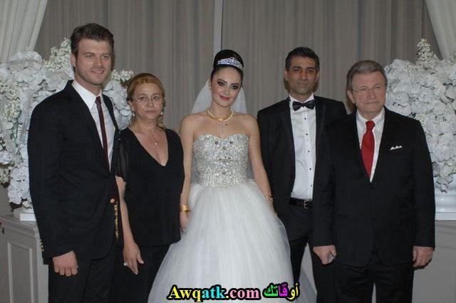 كيفانش تاتليتوغ في زفاف أخيه