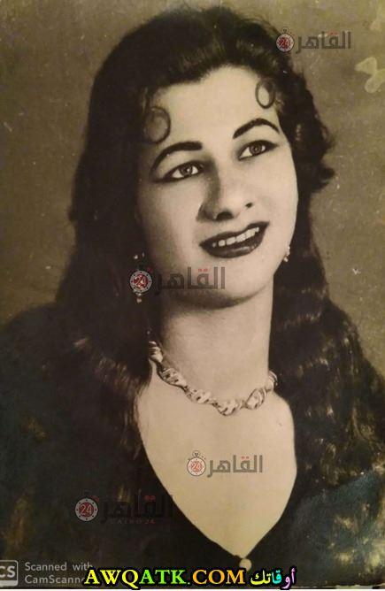 صورة قديمة لفوزية عبد العليم