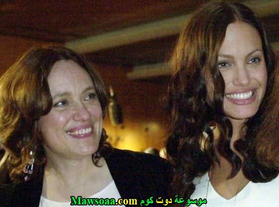 أنجلينا جولي و والدتها مارشيلين