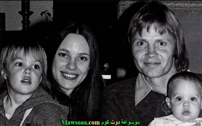 صورة عائلية لأنجلينا جولي