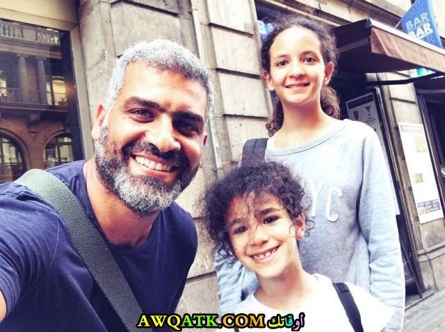 هاني عادل وبناته
