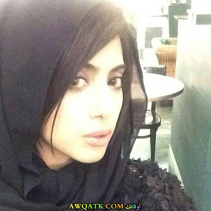 شيلاء سبت بالحجاب