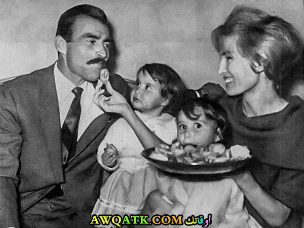 أحمد مظهر وزوجته وبناته
