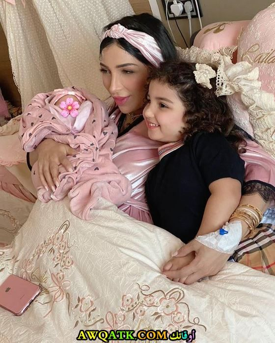 غزل الترك وأمها دنيا بطمة